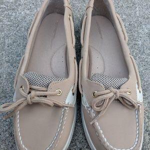 Liz Claiborne Tan Faux Leather Loafers Size 7M EUC